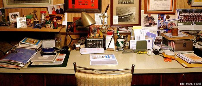 Opas Schreibtisch ohne Computer