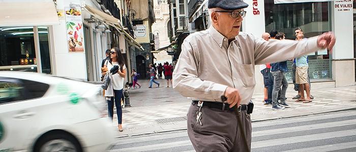 Senioren werden durch neue Technologie im Alltag unterstützt