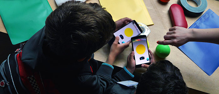 The Game of Colors ist ein Augmented-Reality-Spiel für Kinder das mit Smartphones gespielt wird