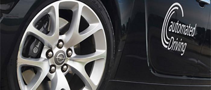 """Um den nächsten Schritt in Richtung automatisiertes Fahren zu fördern hat das Bundesministerium für Wirtschaft und Energie (BMWi) das Projekt """"Ko-HAF – Kooperatives hochautomatisiertes Fahren"""" gestartet, das mit rund 36 Millionen Euro bis 2018 gefördert wird."""